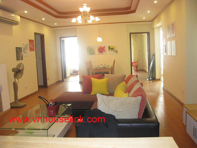Large and modern Hanoi apartment for rent in 25T1 Trung Hoa Nhan Chinh