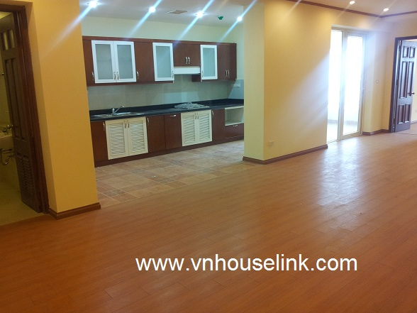 Unfurnished apartment in N05 Trung Hoa Nhân Chinh for rent